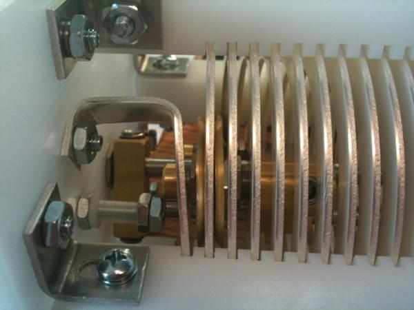 Alpha 4040 QRO 4 000 Watts Automatic Antenna Tuner
